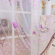 Rem trang tri vai voan hoa tiet hoa hong